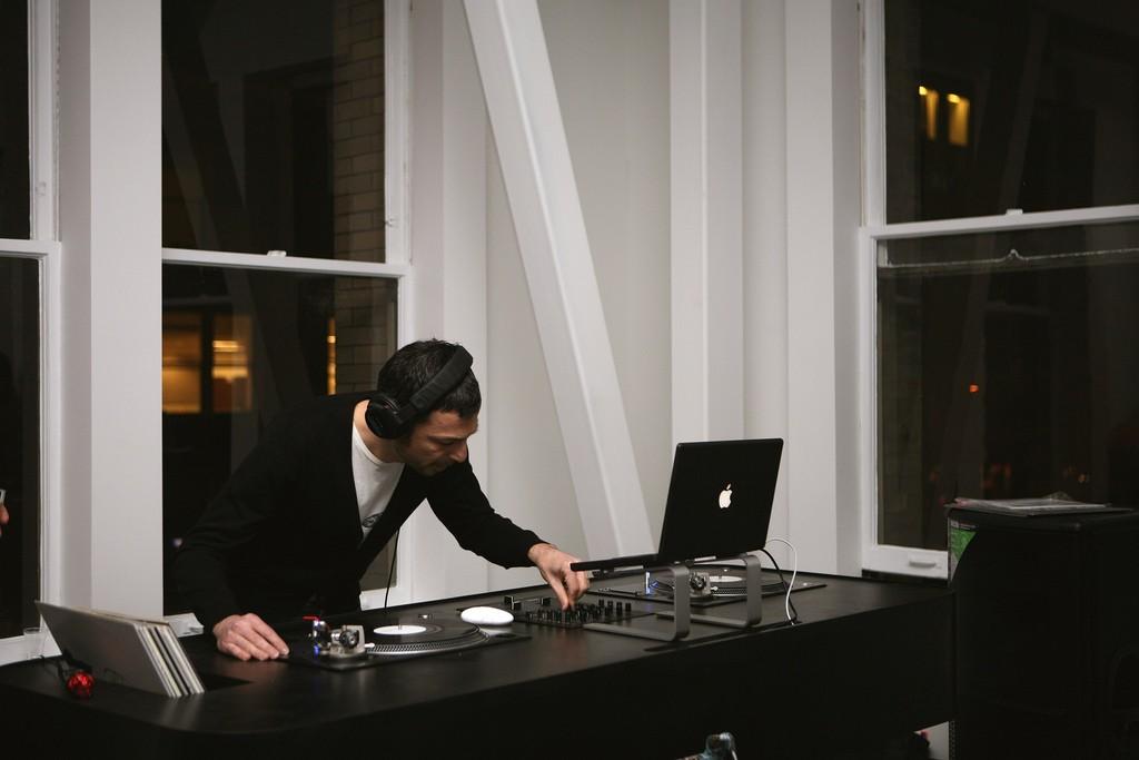 DJ at a design studio | © Incase/ Flickr