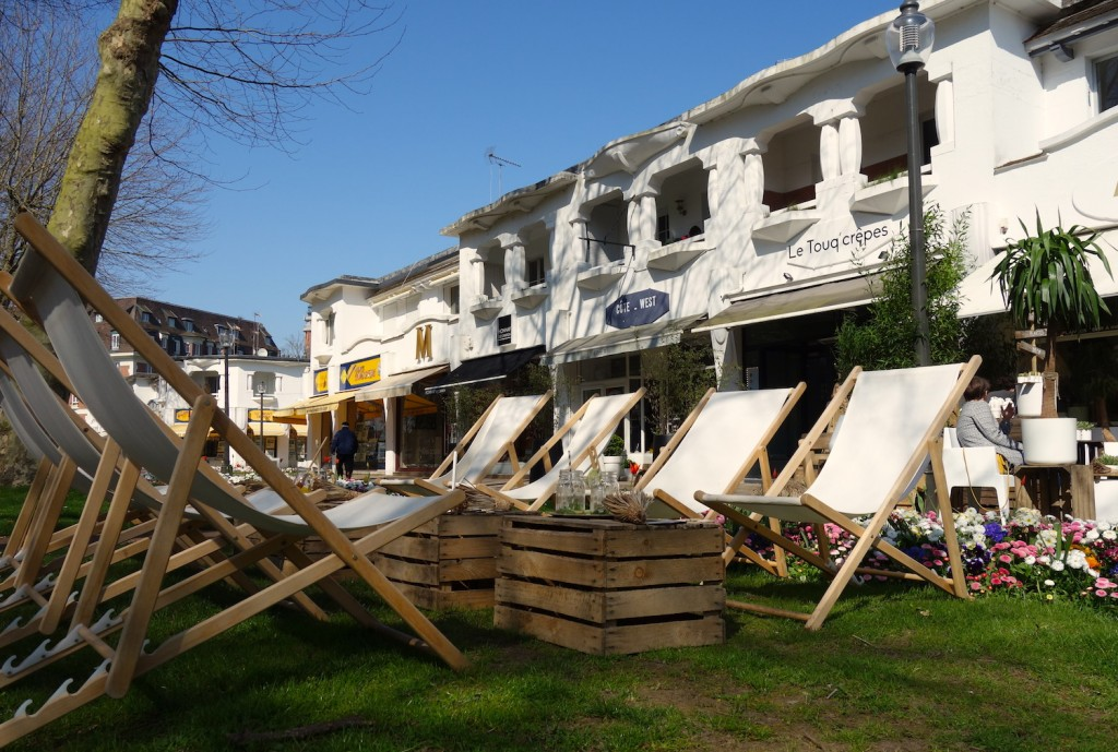 Shopping and relaxing and Le Touquet ©Sylvia Edwards Davis