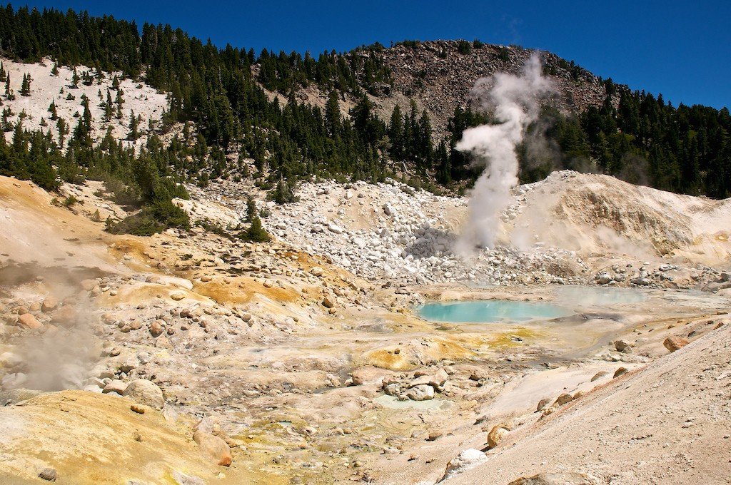 Bumpass Hell|©Don DeBold/Flickr