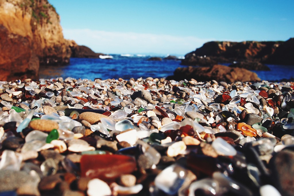 Glass Beach|©Lisa Nottingham/Flickr