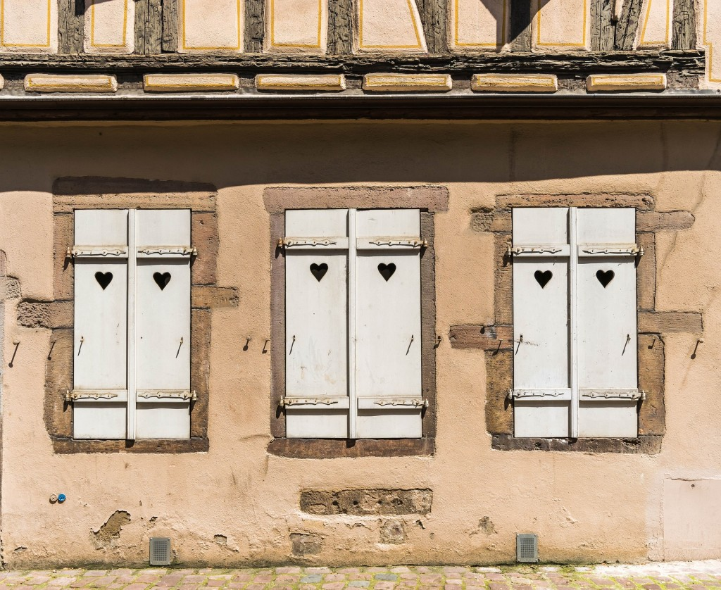 Shutters in Colmar | © Peter H / Flickr