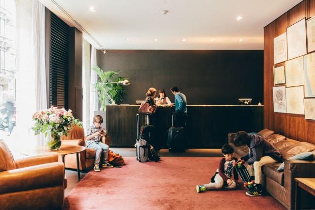 Top 7 kid friendly hotels in barcelona for Hotel regina barcelona booking