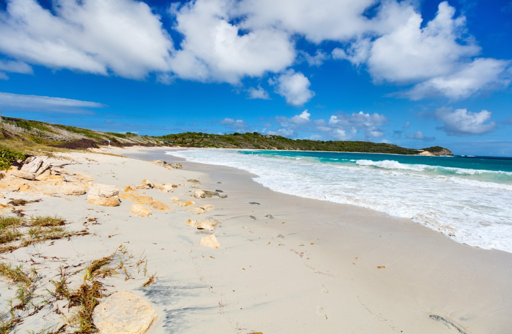 Half Moon Bay, Antigua | © BlueOrange Studio/Shutterstock