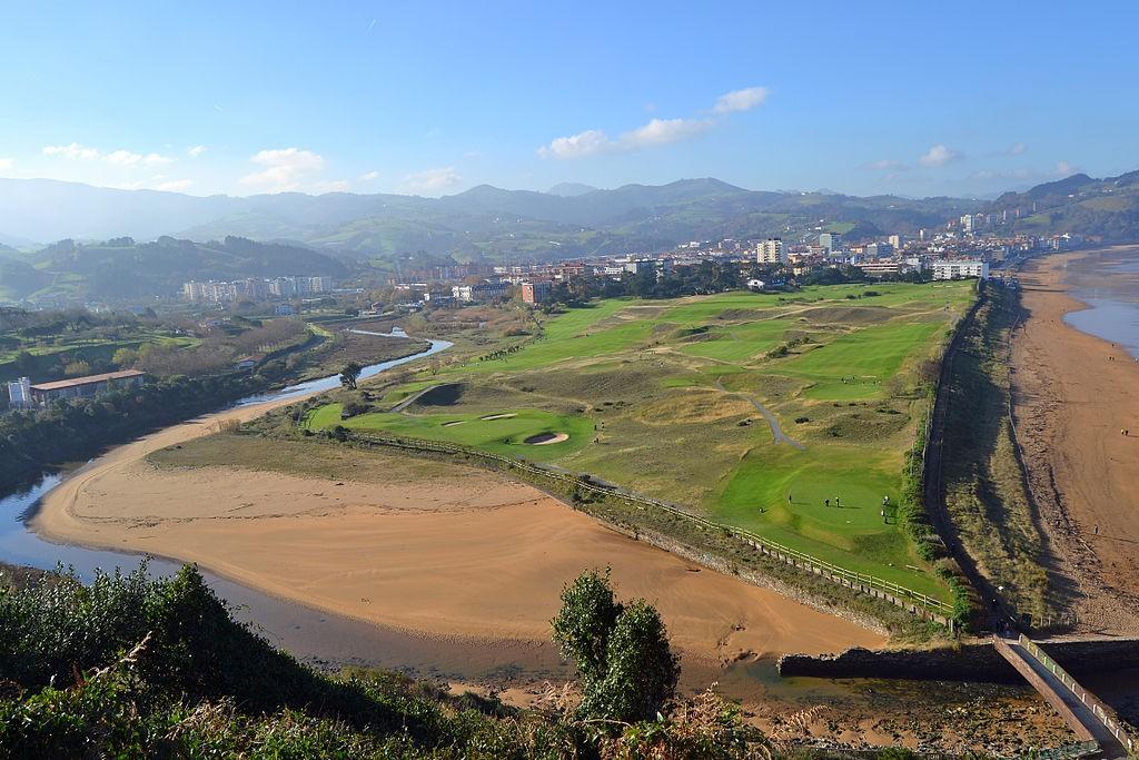 Iñurritza, Zarautz, Spain | ©Euskaldunaa / Wikimedia Commons