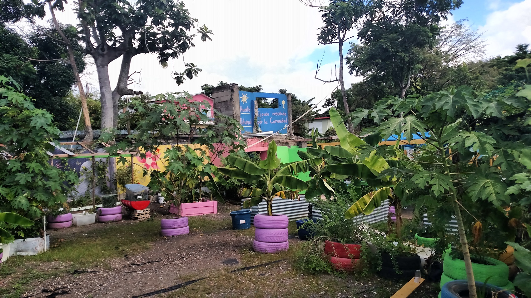 How This Canal Community In Puerto Rico Evaded Gentrification