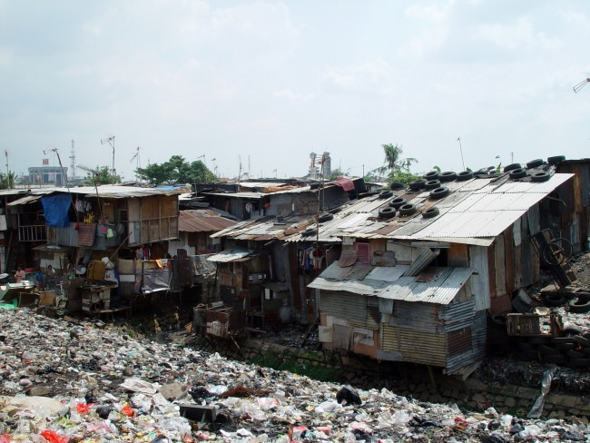 A shanty town in Jakarta, Indonesia | © Jonathan McIntosh