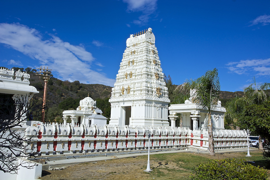 Malibu Hindu Temple|©wplynn/Flickr