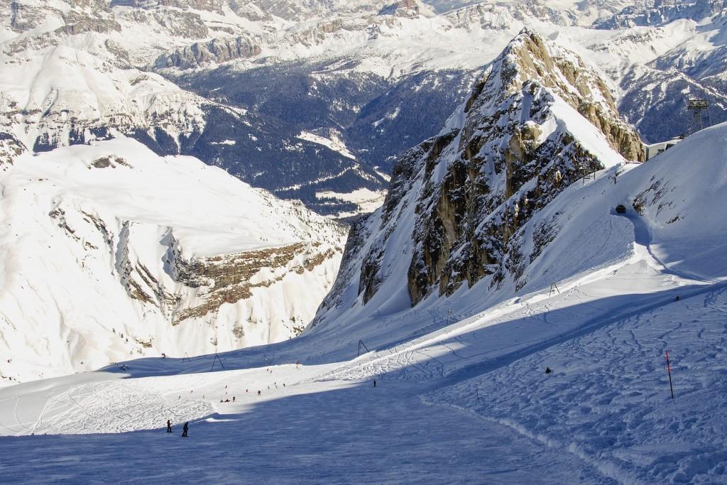 Skiing in the Dolomites | © pixabay https://pixabay.com/it/marmolada-dolomiti-veneto-belluno-1815406/