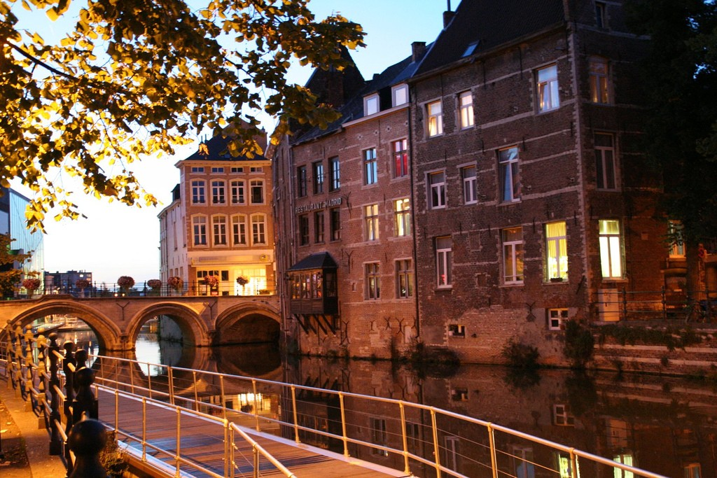 Mechelen's Dijlepad takes waterwalkers all through the city | © Hans Vandenbogaerde / Flickr