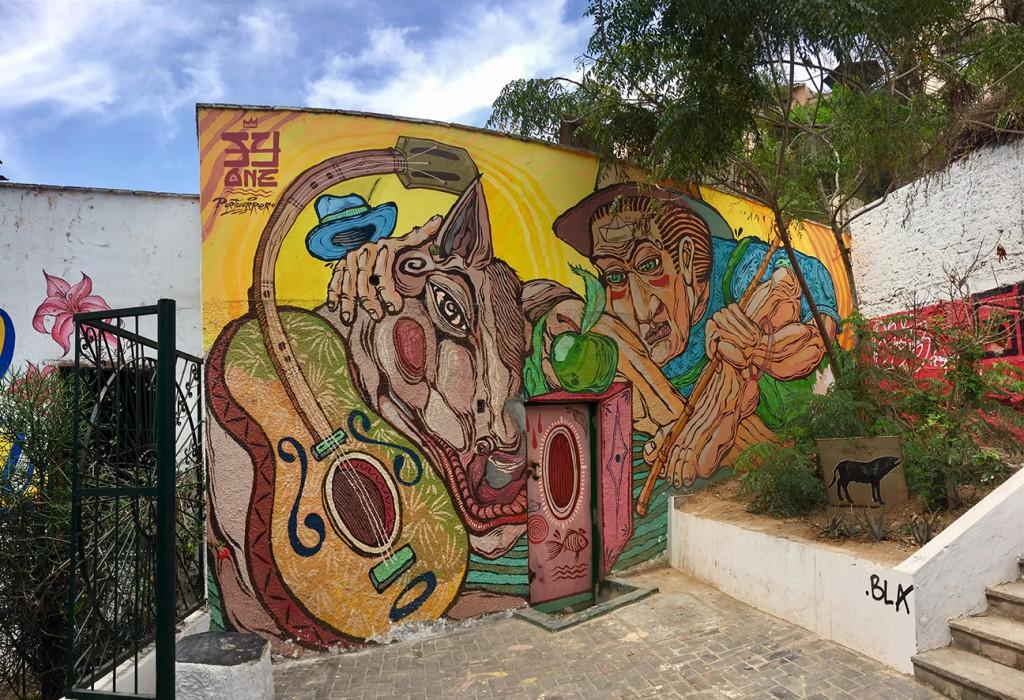 Mural by Yandy Graffer located in the Bajada de Baños walkway |©Manuel Orbegozo