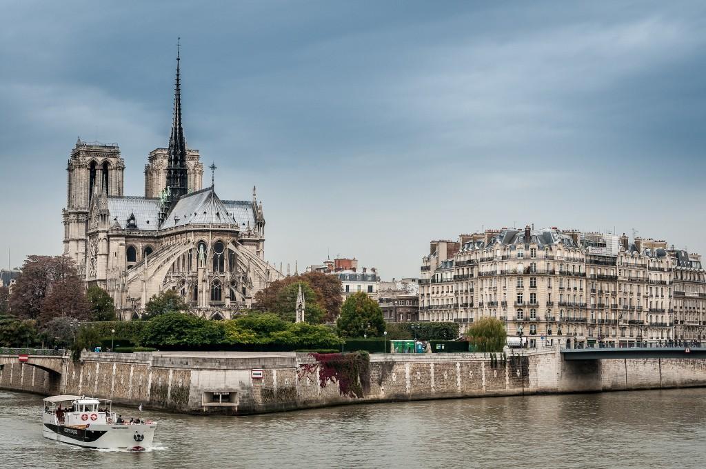 Notre-Dame and the Île de la Cité │© Danny Leung / Flickr