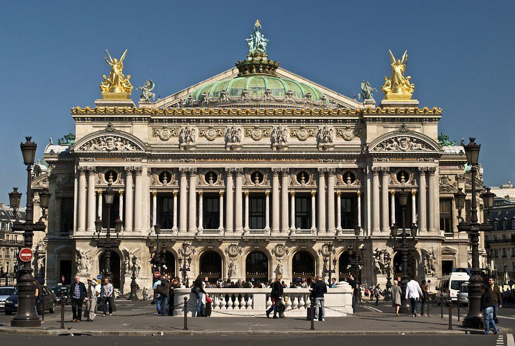 Palais Garnier │© Peter Rivera / Wikimedia Commons