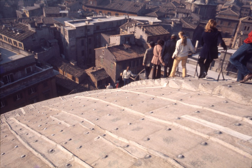A group from the American Academy in Rome descending the Pantheon's roof, circa 1975 | © Frank Baker Holmes