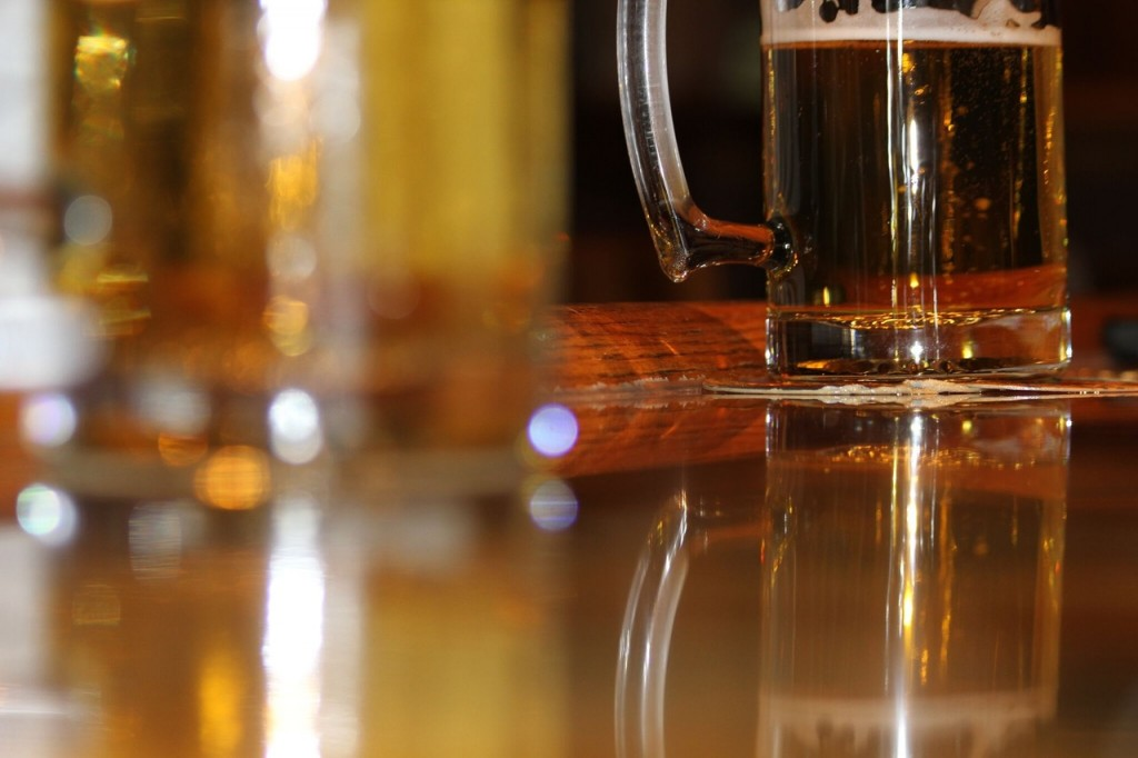 Opt for a local beer here | ©spemone / Pexels