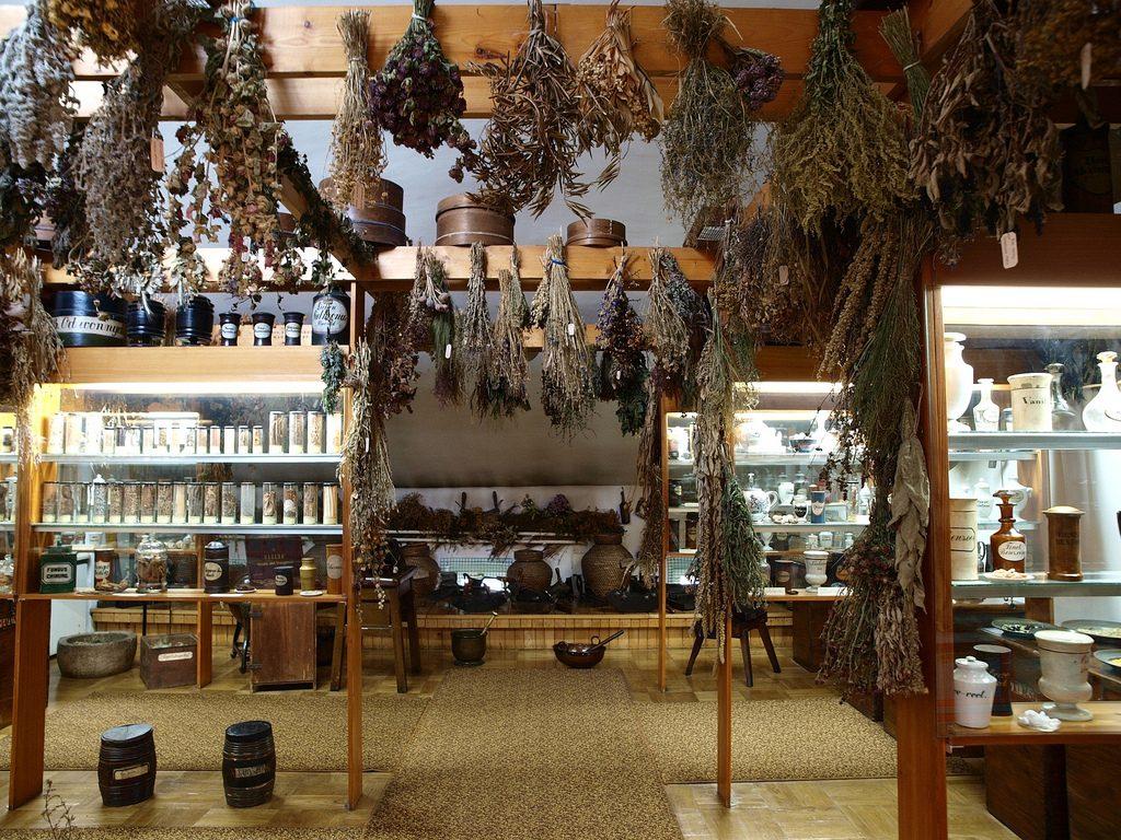 Museum of Pharmacy, Krakow, Poland   © mararie/Flickr