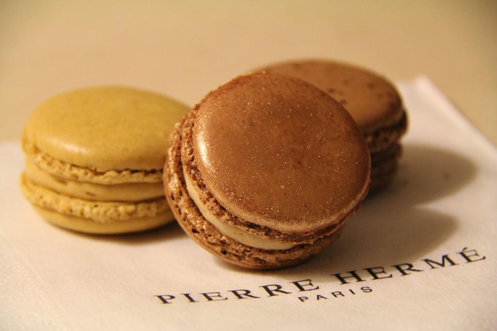 Pierre Hermé macarons │© Betsy Weber / Flickr