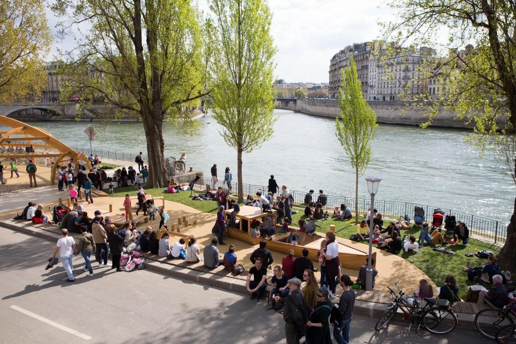 Play area at the Parc Rives de Seine │© Jean-Baptiste Gurliat / Mairie de Paris
