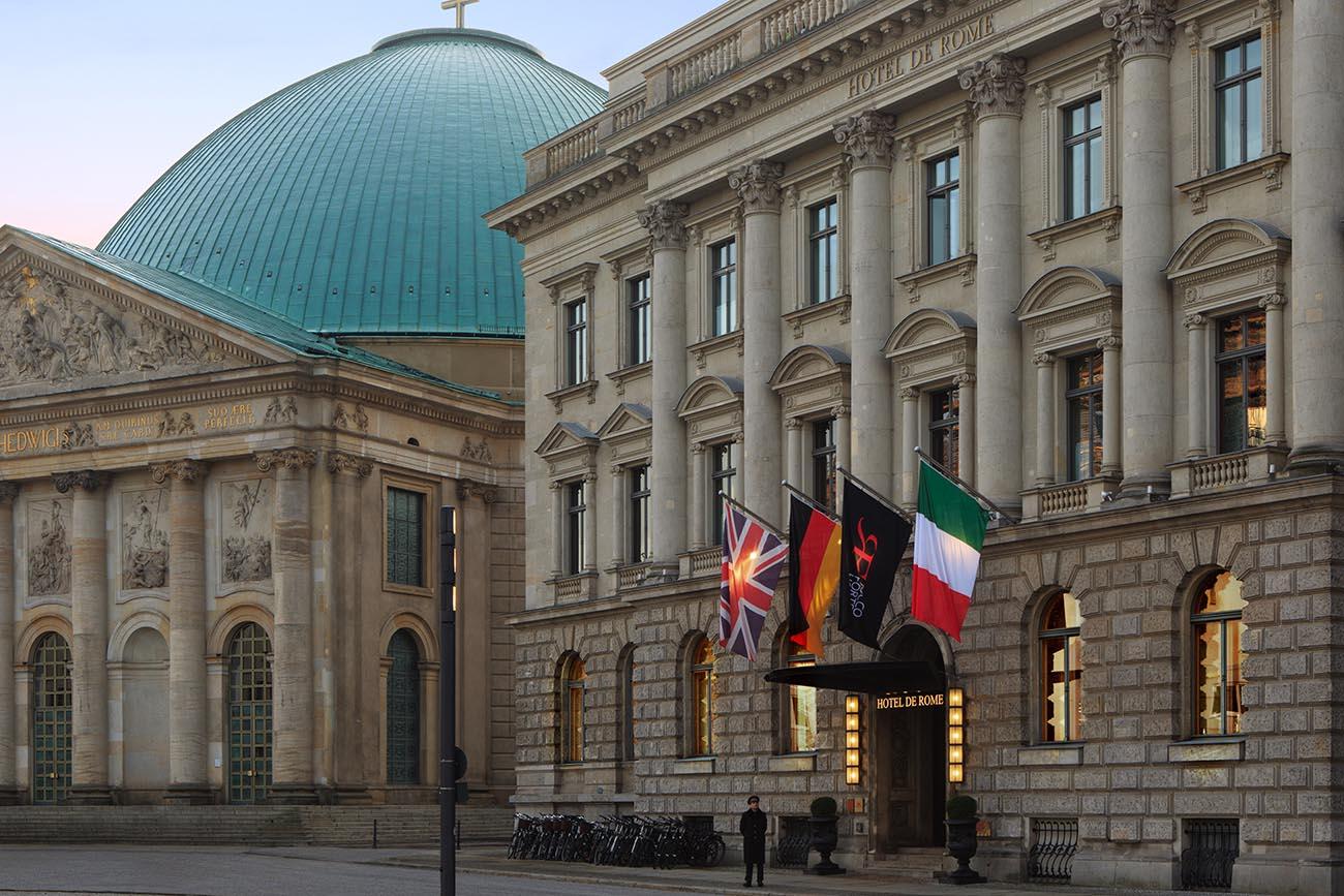 The facade | Courtesy of Hotel de Rome