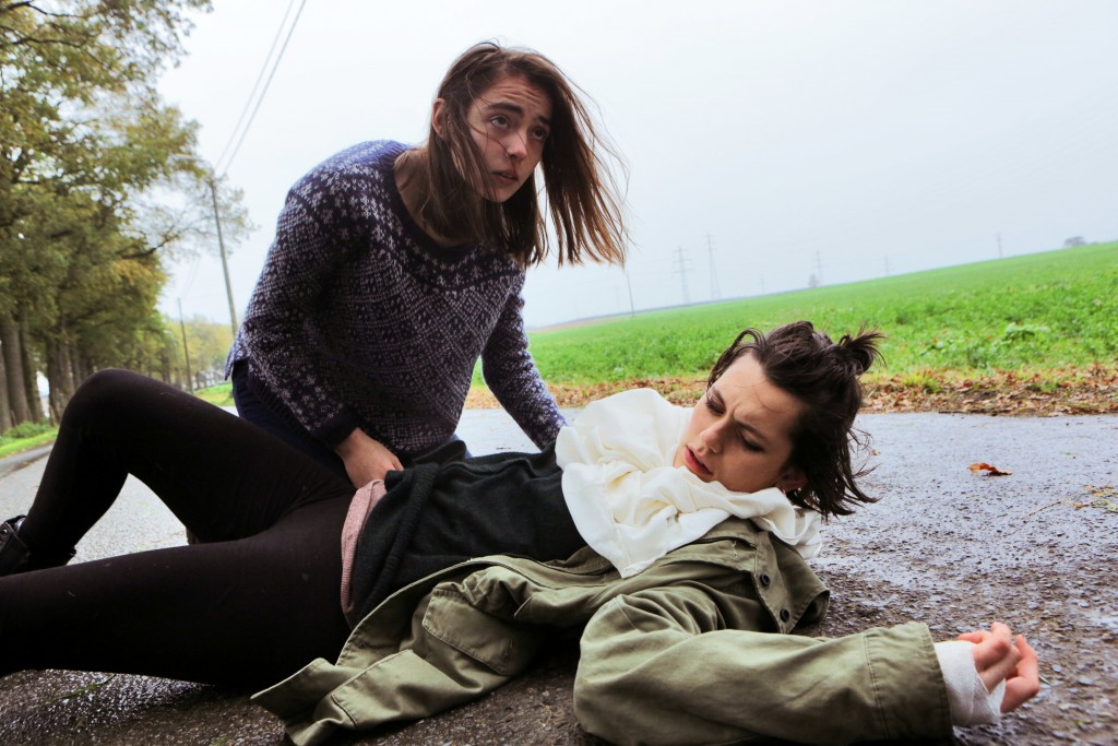 Garance Marillier and Ella Rumpf as hungry siblings in 'Raw' | © Universal Pictures