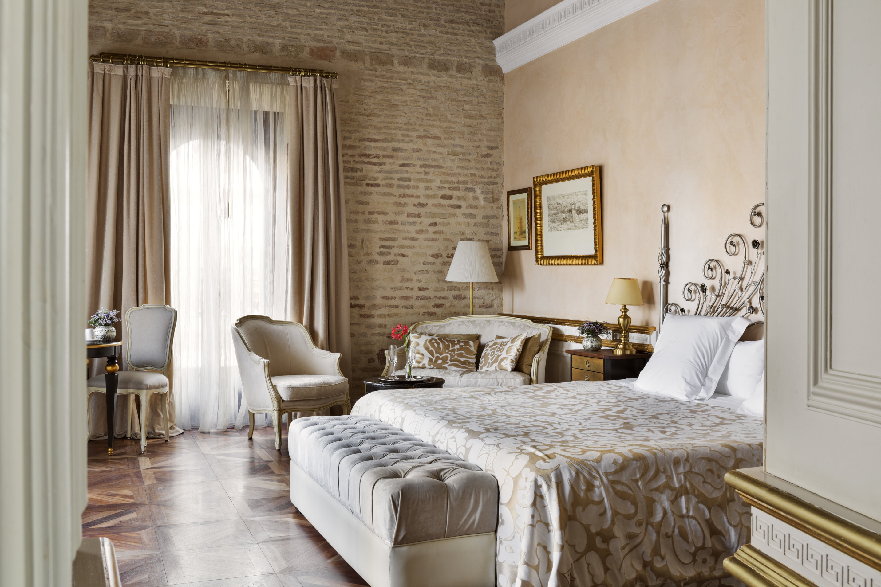seville jewish singles Vida local is a group to  dining table for 4 and a sofa one double bedroom and two singles this is  seville has a rich jewish history and a visit to barrio.