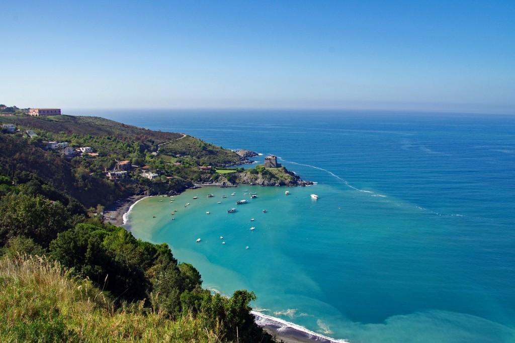 BEaches in Calabria | © pixabay https://pixabay.com/it/san-nicola-arcella-mare-calabria-1979120/
