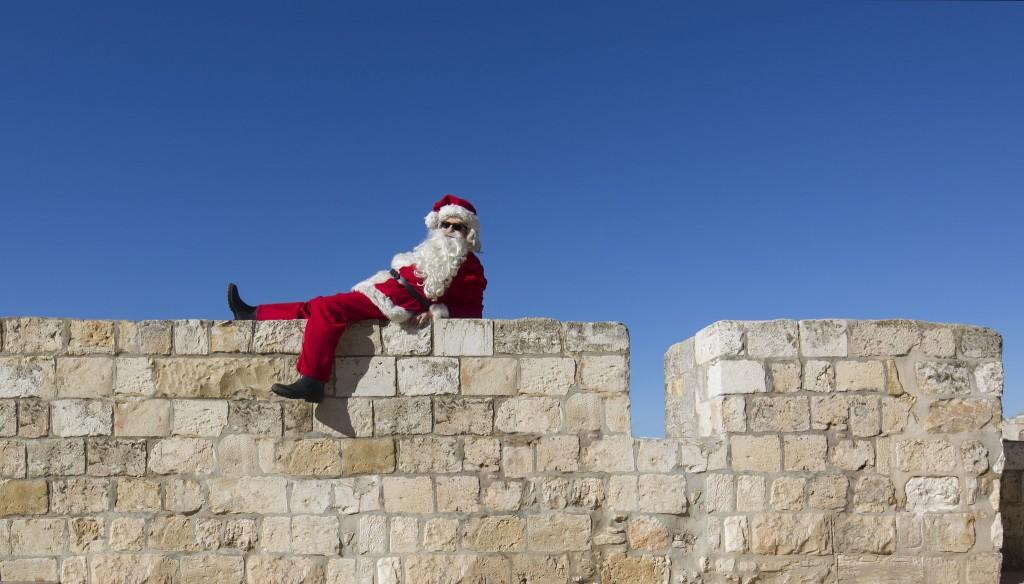 Santa in Jerusalem's Old City | © Israelitourism, by Dafna Tal / Flickr