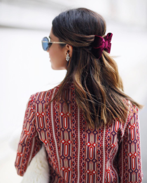 Show your locks some love with a fresh accessory / © Nicole Pinheiro / Instagram