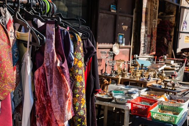 Colourful racks and displays make shopping at Seville's vintage stores irresistible | © Elena Dijour/Shutterstock