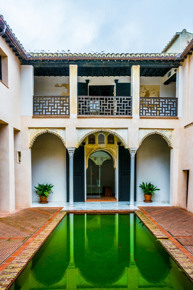 View of a courtyard of Casa de zafra | © Trabantos/Shutterstock