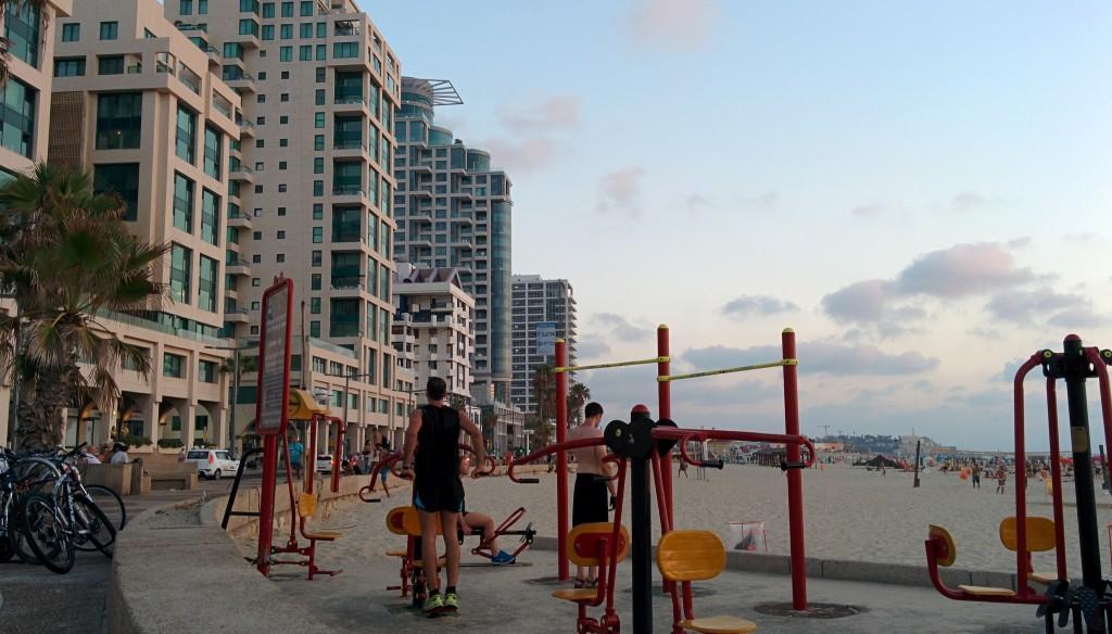 Tel Aviv's public gyms | © Eugenie Vasilyeff / Flickr