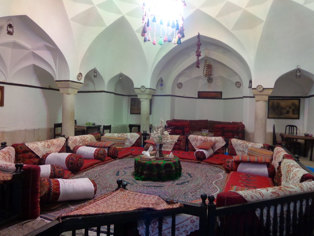 Vakil Bathhouse has been converted into a cozy teahouse | © Pontia Fallahi
