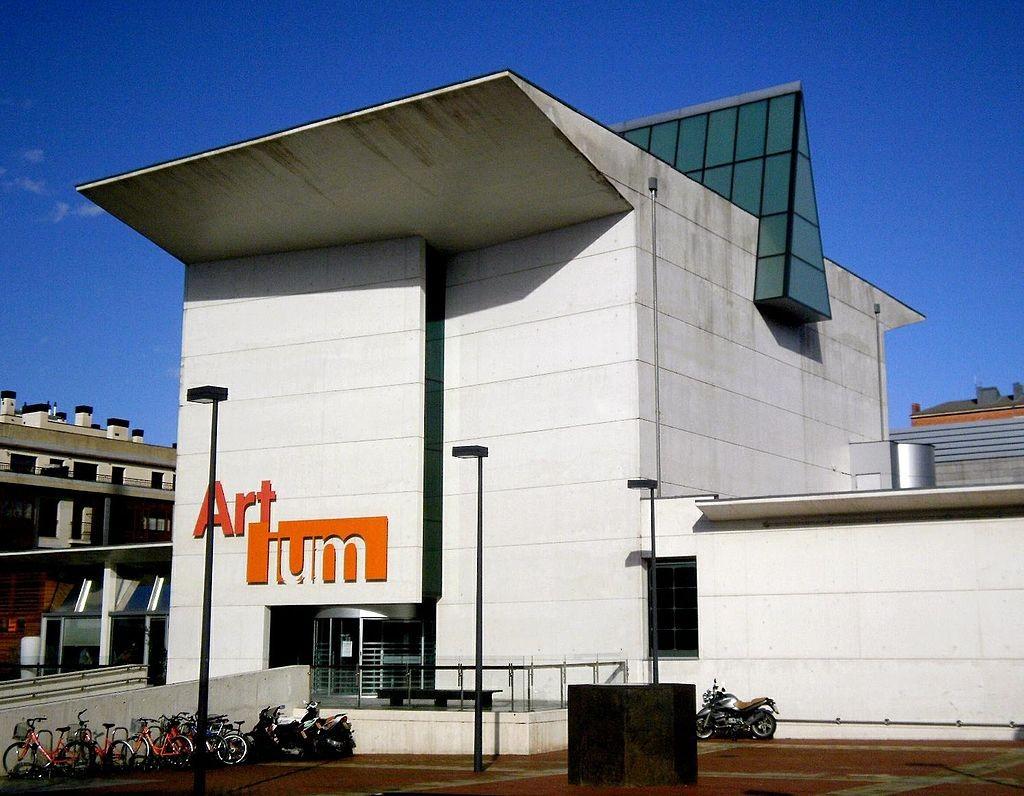 Artium, Centro-Museo Vasco de Arte Contemporáneo, Vitoria Gasteiz | ©Zarateman / Wikimedia Commons