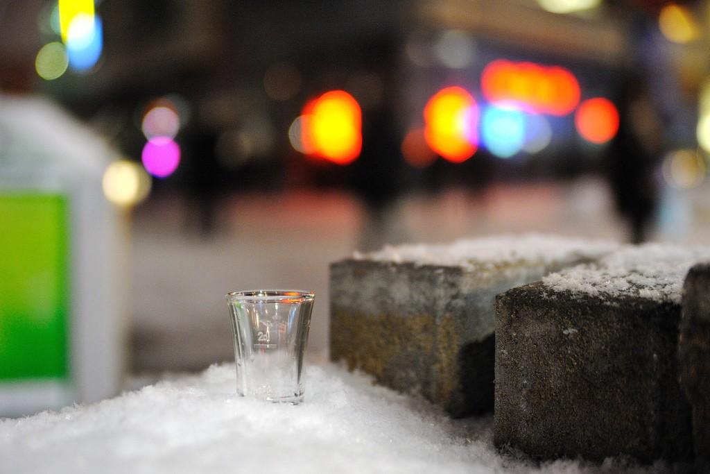 Vodka, Open Air Drinking Bar | © Kuba Bożanowski/Flickr