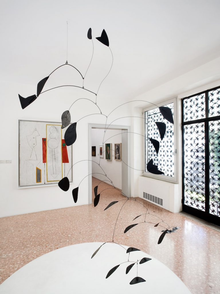 2008 Peggy Guggenheim Collection Venice Sala Calder. © Collezione Peggy Guggenheim, Venezia. Ph. AndreaSarti/CAST1466