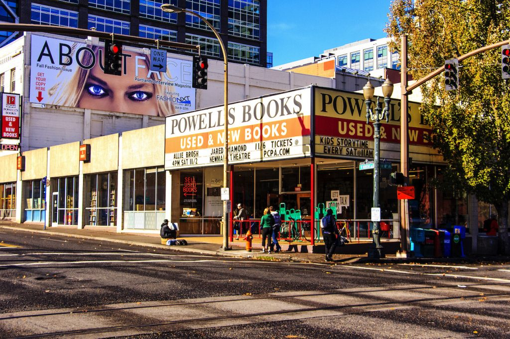 Powell's City of Books | © Mobilus in Mobili/Flickr