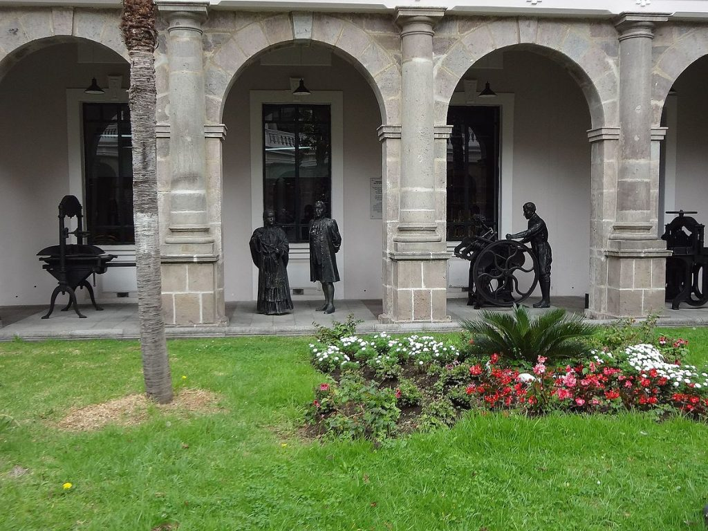 Corner Exhibition Stands Kitchen : Things to do in quito s historic district