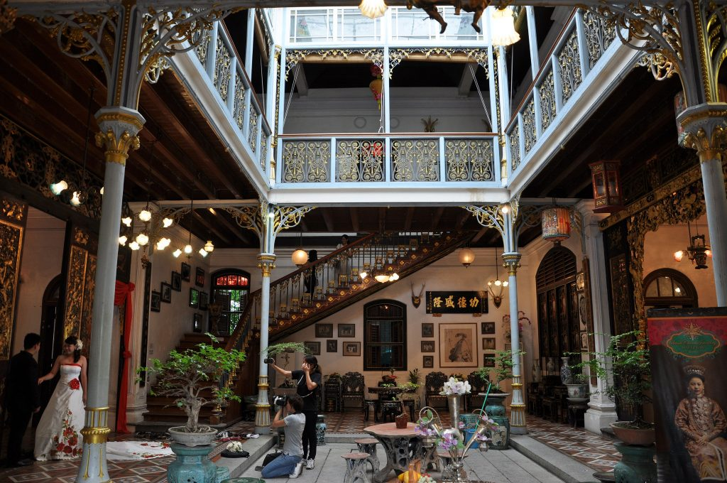 Inner courtyard of Pinang Peranakan Mansion | © shankar s. / Flickr