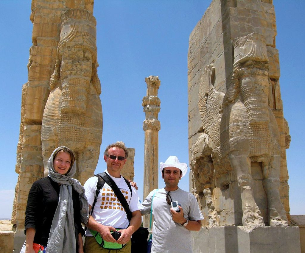 Visitors tour Persepolis | © Fulvio Spada / Flickr