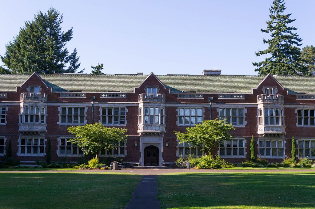 Eliot Hall – Reed College   © Visitor7/Wikimedia