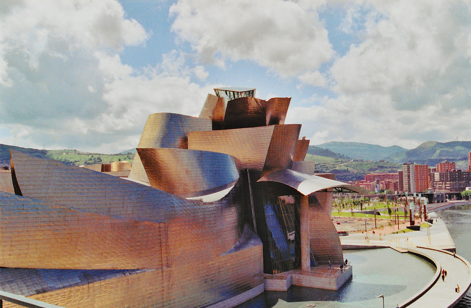 The Guggenheim in Bilbao © SarahTz