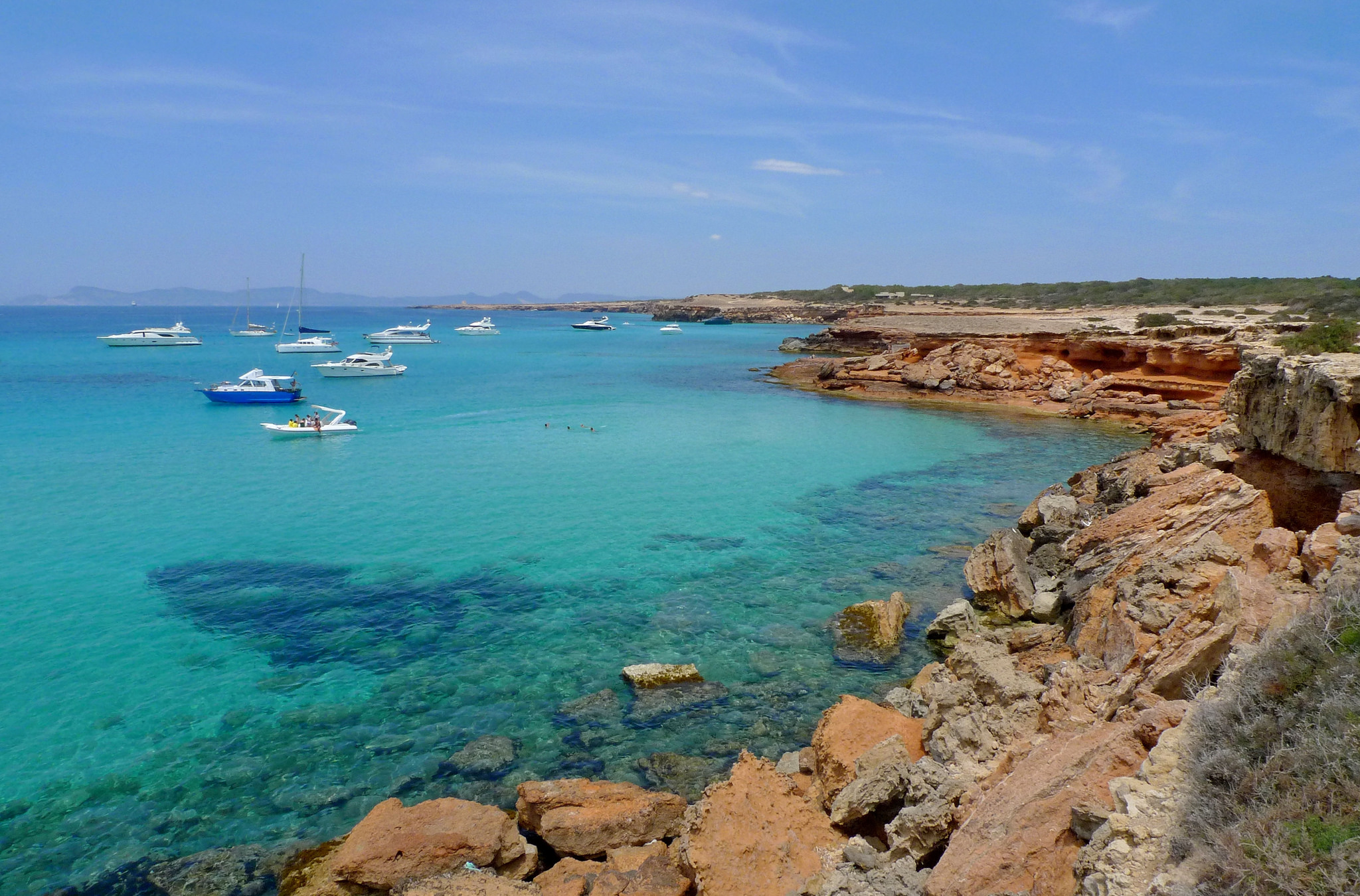 Azure waters in Formentera © Nacho Pintos