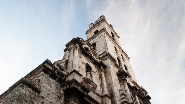 "<a href=""https://www.flickr.com/photos/blondzilla/14280948692/"">Basilica Menor de San Francisco de Asis, Old Havana | © Oliver Townend/Flickr </a>"