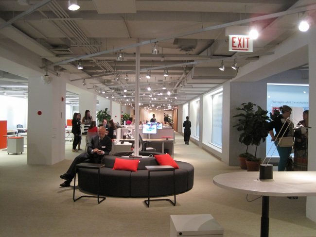 Knoll Office Furniture | © bfi Business Furniture Inc./Flickr