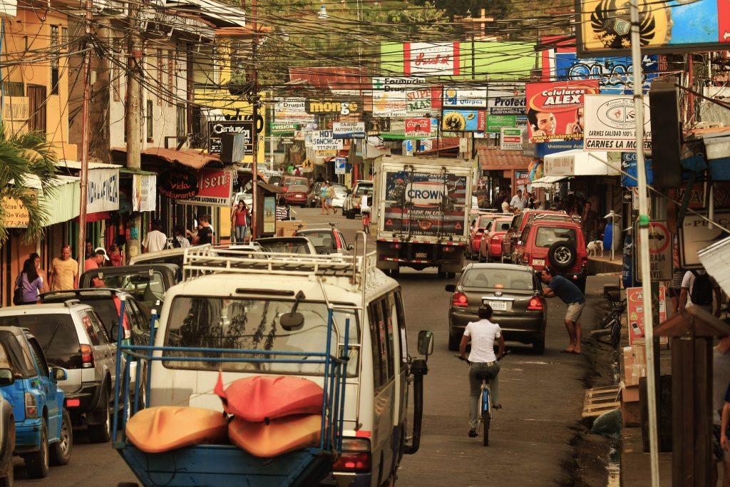 Downtown Quepos   © eflon/Flickr