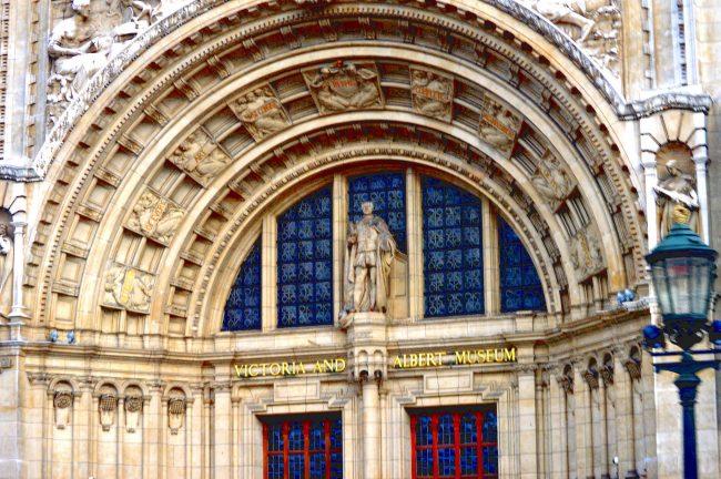 V&A entrance