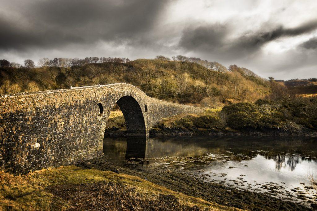 Clachan Bridge | © Neil Williamson / Flickr