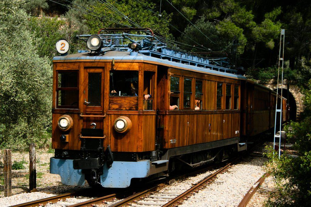 Soller train © Dan Meineck / Flickr
