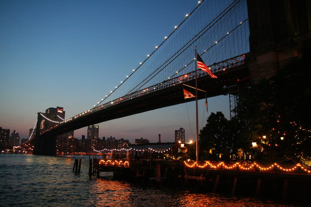 Brooklyn Bridge and The River Cafe | Kim/Flickr