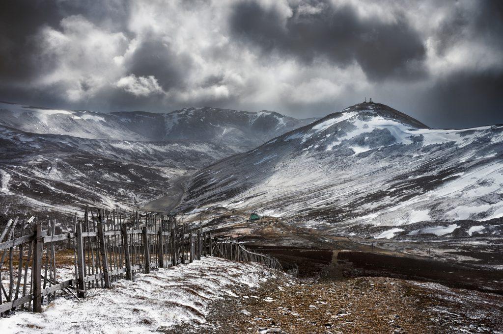 Storm Descending On Cairnwell   © Neil Williamson / Flickr