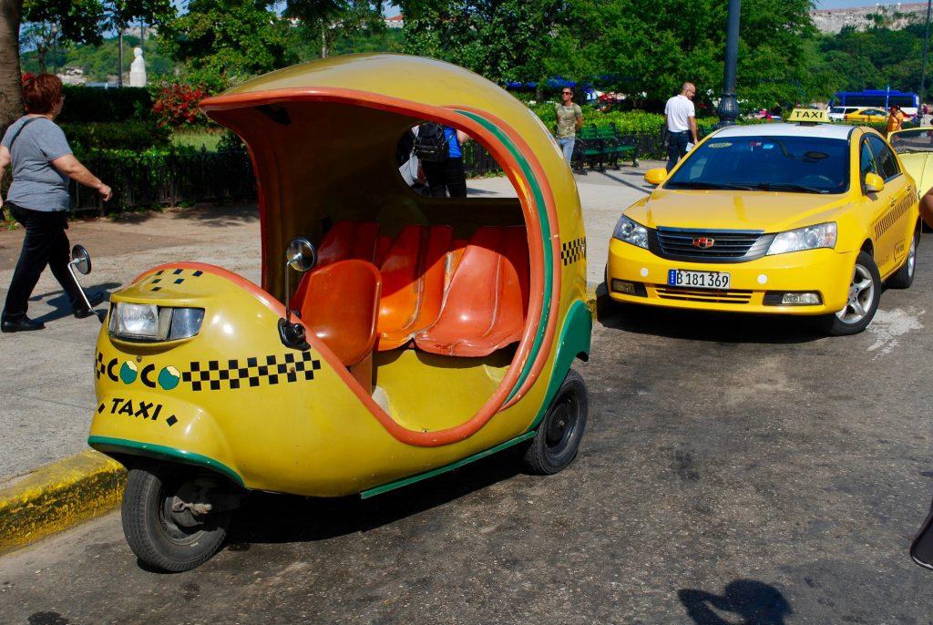 A coco taxi in Havana | © Laura LaRose/Flickr